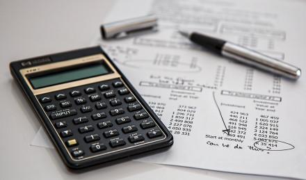 Экономисты рассказали о новых правилах взимания налога совкладов россиян