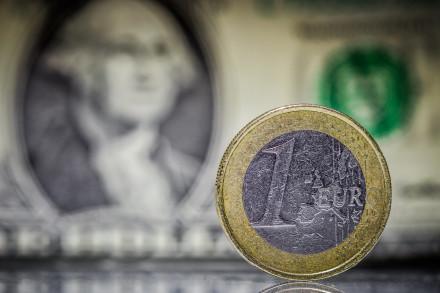 Американский экономист предсказал обвал доллара к концу 2021 года
